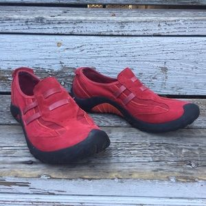 PRIVO by Clarks red suede hiking/walking shoes
